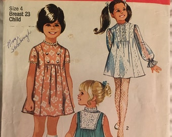 Vintage Simplicity 8715, 1970s Girls Dress, Front Inset With Gathered Front, Three Sleeve Options