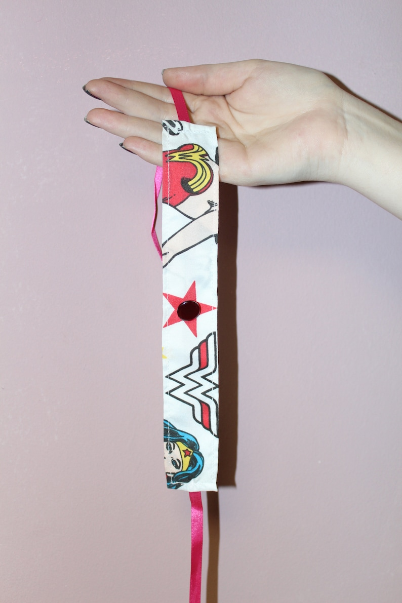 Pretty Disturbia WonderWoman Button Detail Ribbon Fasteing Choker