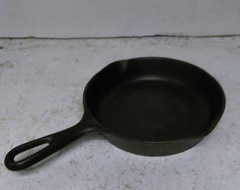 Cast iron #3 pan