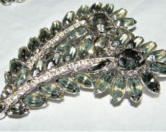 Large Vintage Signed Weiss Rhinestone Pin