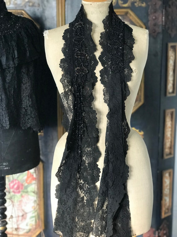 Victorian lace shawl / scarf
