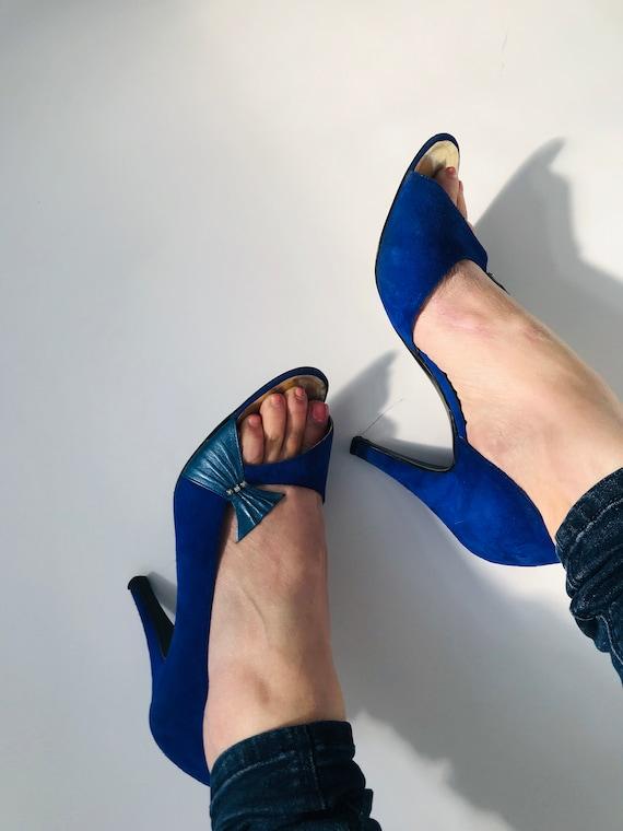 UK5 (38) Cobalt blue Raphael suede shoes