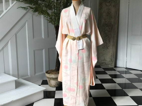 1930s silk pink Japanese kimono