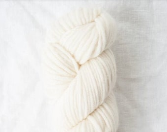 Puffin in Egret (Undyed) by Quince & Co