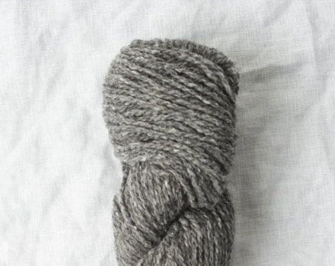 Owl Tweet in Otus (undyed) by Quince & Co