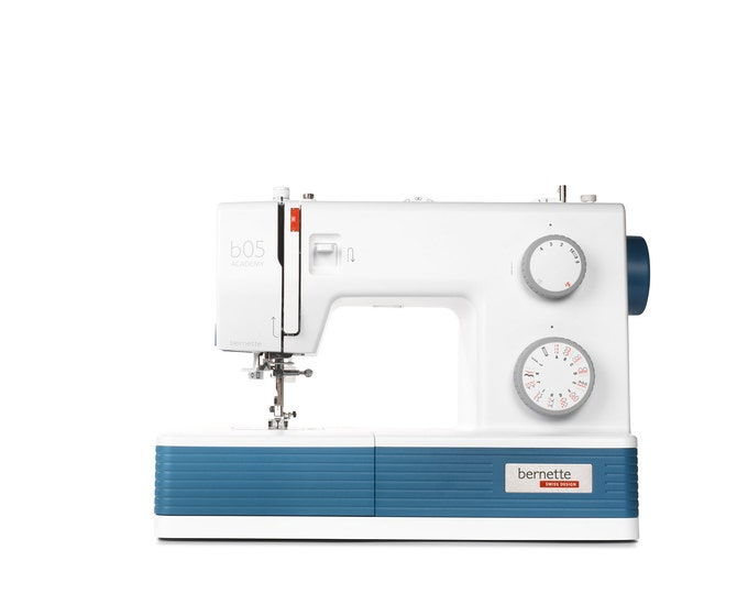 PRE ORDER: New bernette b05 ACADEMY Sewing Machine