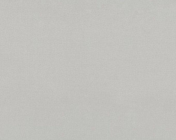 Avanti Bemberg 100% Rayon Lining in Light Gray by Robert Kaufman