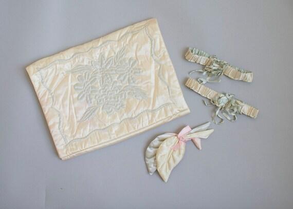 Vintage 1940s Lingerie Bag / Vintage Silk Lingerie