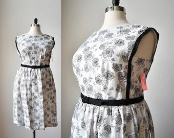 1950s Cotton Dress / Floral Cotton Dress / White and Black Floral Dress / 1950s Plus Sized Dress / 1950s Dress Large / 1950s Dress XL