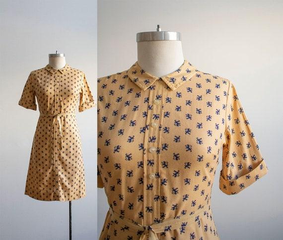 Vintage 1960s Shirt Dress / Vintage Griffin Print