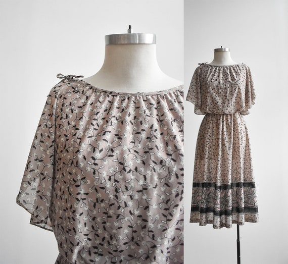 1970s Flutter Sleeve Cocktail Dress