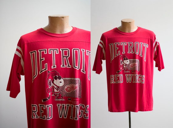 Vintage Detroit Red Wings Tshirt / Vintage Snoopy