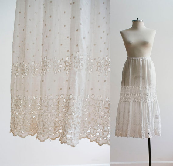 RESERVED / Vintage White Cotton Skirt / Eyelet Lac