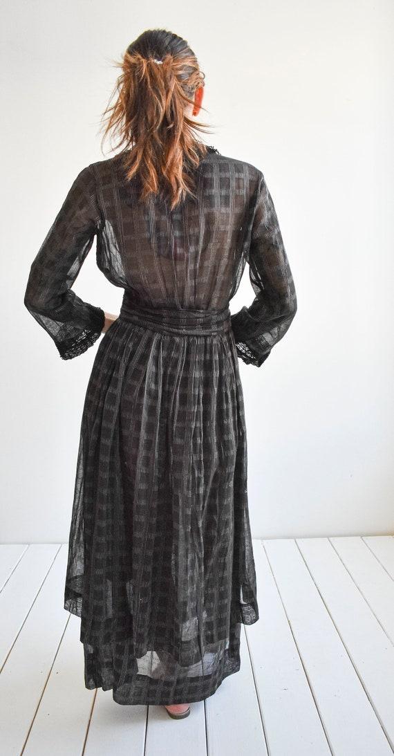 Black Edwardian Gown - image 9