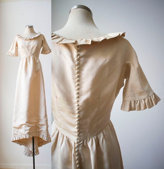 Vintage 1970s Wedding Gown / Ivory Wedding Gown /
