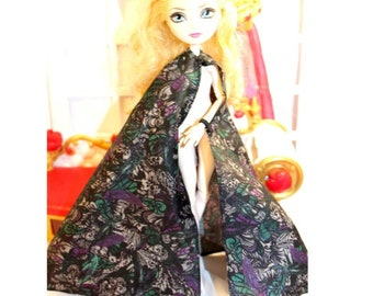 """Used Cape Only. Monster High & EverAfter High Size Cape. Snap Closure / Elastic Wrist Straps. Cape for 10.5"""" Slimline Dolls."""