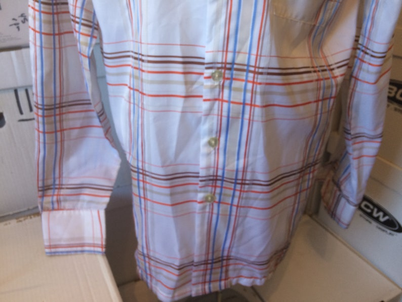 great used condition Vintage Don Loper Shirt Duke of Hollywood 100/% polyester red blue and brown stripes Size XL Tall