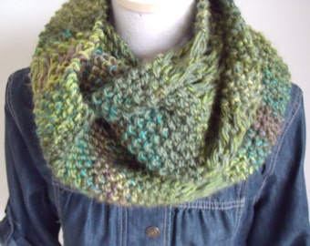 Gerstekorrelcolsjaal in green hues and fantasy jobs (140/25 cm), for both men and women