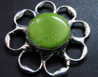 Green Flower broch made of tin framed red howlite cabouchon retro vintage stained glass technique ideal gift  GepArtJewellery FREE SHIPPING