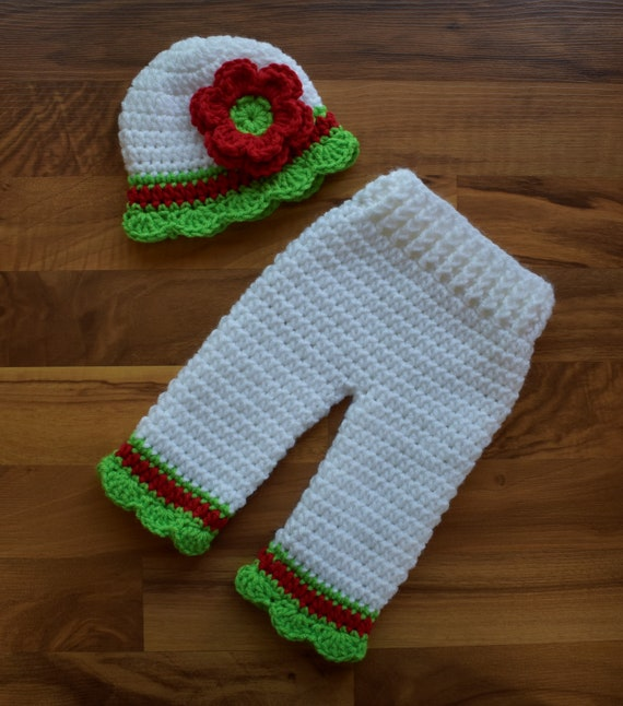 Crocheted Baby Girl Christmas Hat and Pants Set ~ White, Bright Red & Lime Green ~ Photo Prop ~ Newborn (0-2 Month) ~ MADE TO ORDER
