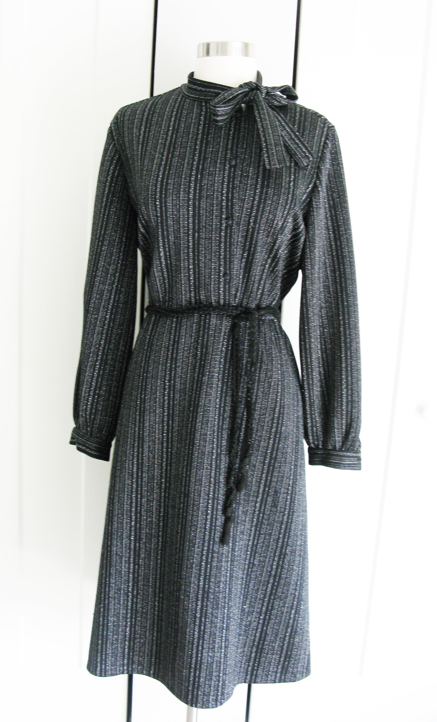 Vintage Scarf Styles -1920s to 1960s Vintage 1970s Shirt Waist Black Polyester Dress With Metallic Micro Stripe  Size X Large $23.00 AT vintagedancer.com