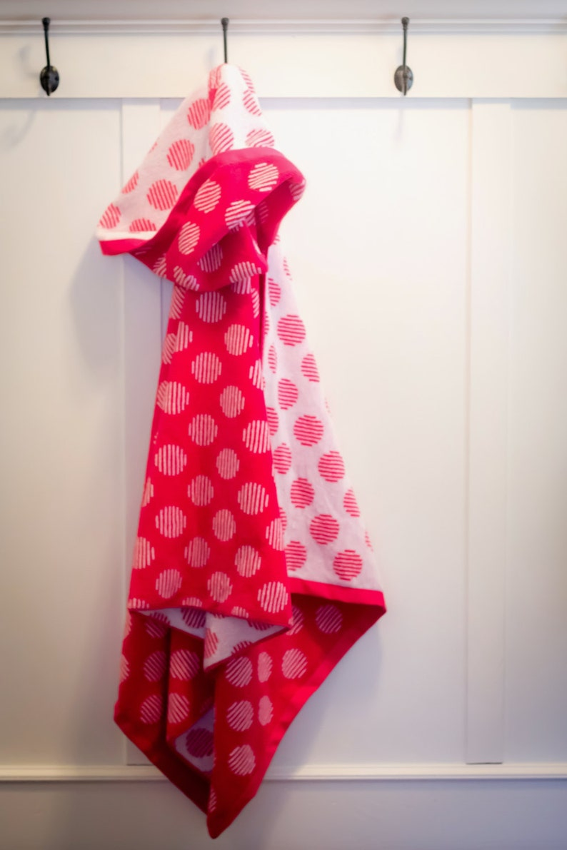 full size towel personalized adult hooded beach towel adult bath towel Hot Pink polka dot adult hooded bath towel cruise hooded towel