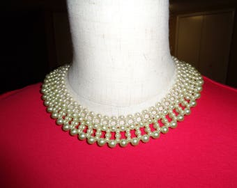Beautiful Vintage Faux Pearl  Collar Necklace