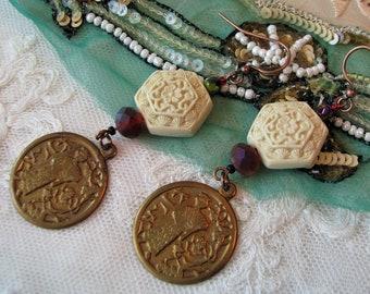 Oriental Asian jewelry vintage red cinnabar fringe earrings black /& gold tassels Ginger jar earrings Chinoiserie 5.25 shoulder dusters