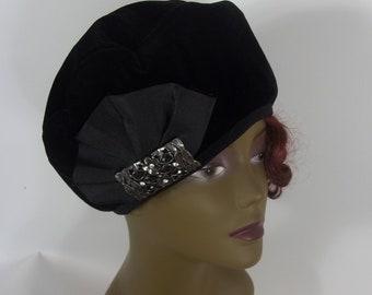 Velvet, beret, hat, black, French beret, women, ladies, beret, lined, 1920's decor, brooch, beret, fashion, beret, hat. cap.  S, M, L, XL