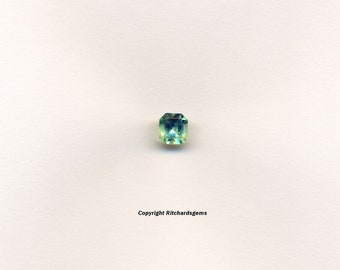 Mun 0.75 ct Emerald Chivor Colombia