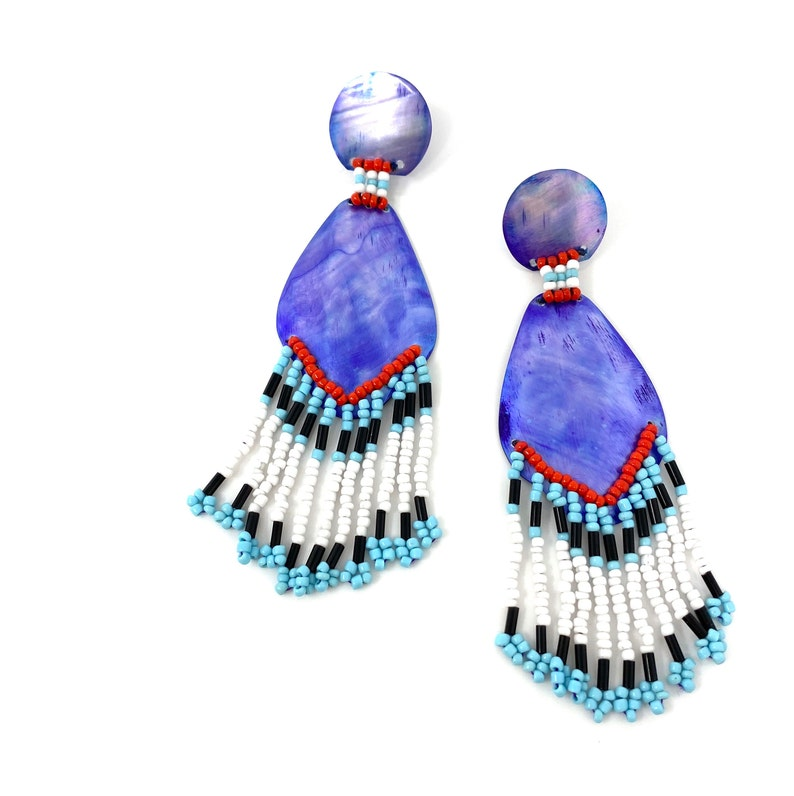 Purple /& Multicolor Bead Dangles 1980s Dangly Pierced Earrings Runway Jewelry Vintage Mother of Pearl Boho Statement Earrings