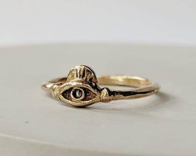 Diamond eye ring, size 4.5