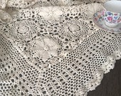 Vintage Floral Cotton Crocheted Lace Tablecloth Coverlet Throw