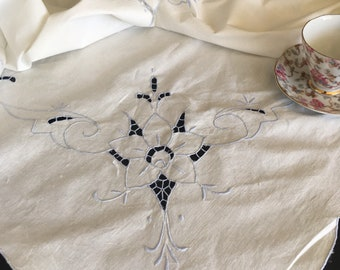 Vintage Handmade Blue Embroidered Banquet Tablecloth w/ 12 Napkins NWT
