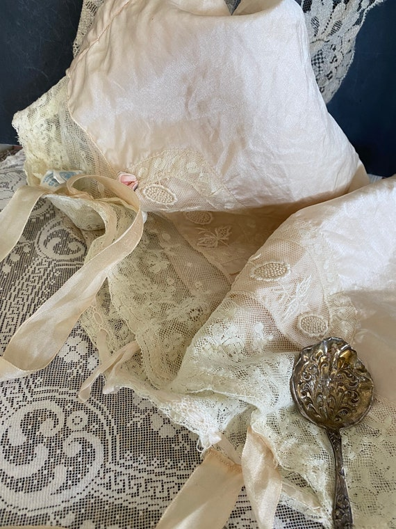 Antique Victorian Embroidered Satin and Lace Corse
