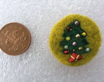 Christmas Tree Felted Brooch Merino Wool, Hand Embroidered 35mm