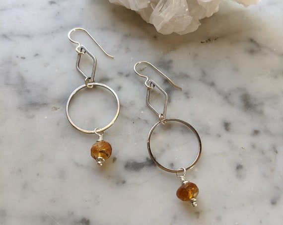 Silver geometric earrings with hessonite garnet - ESG002