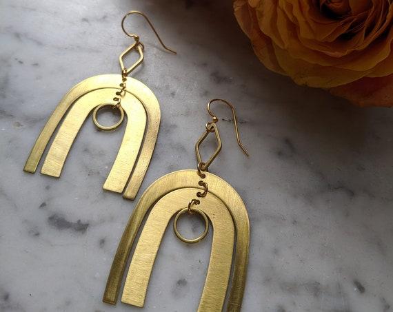 Brass kinetic geometric dangle earrings - EB001