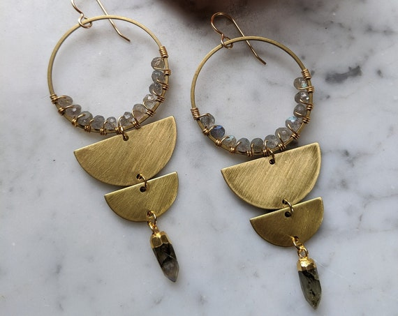 Labradorite and brass half moon geometric dangle earrings - EBL001