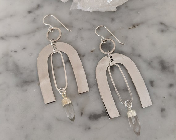 Silver kinetic geometric dangle earrings with quartz points - ESQ008