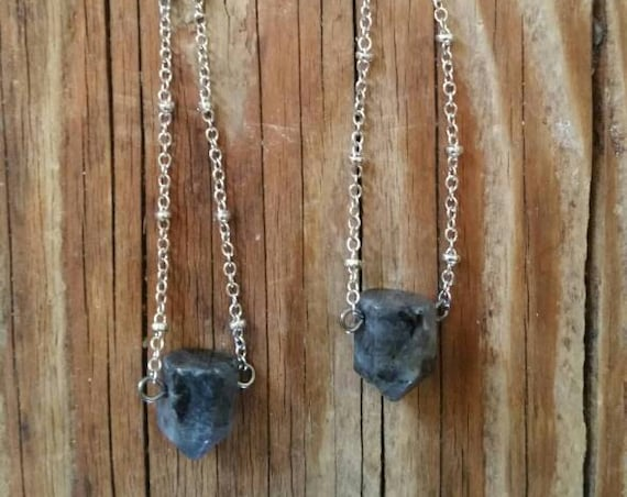 Stone points on antique silver satellite chain