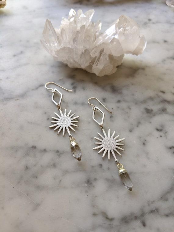Silver sunburst geometric earrings with quartz crystal points - ESQ002