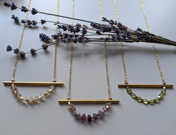 Brass bar necklaces with golden rutilated quartz, fluorite or peridot - NB001