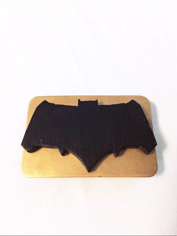 36e34911fbb6 Ceinture boucle GAUCHER Batman Vs Superman Logo de Batman   Etsy