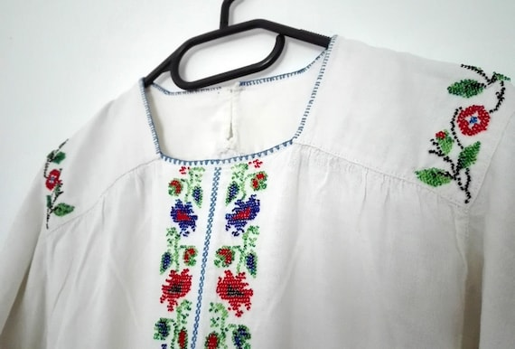 Womens Embroidered Folk Blouse