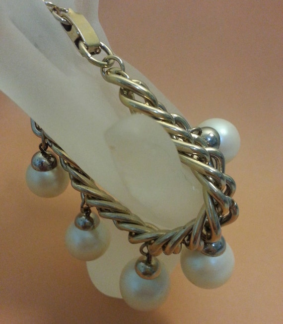 Vintage Double Links Chain Belt or Necklace Unique Chunky Jewelry Gold Tone with Pearl and Gold Bead Dangles