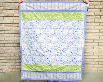 Bluebird theme quilt for baby, Spring baby gift, Floral nursery decor, Bird baby blanket