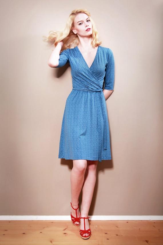 dawanda mira dunkelblaues jerseykleid