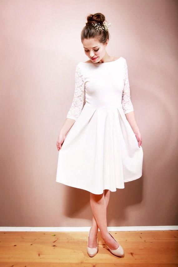 Brautkleid CAMILLE mit Spitze in cremeweiß   Etsy