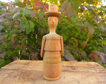 Vintage Folk Art Spool Doll - Hand Turned Spindle Doll - Wooden Folk Art Doll - Bolivia Doll